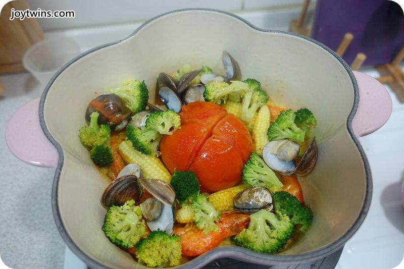 一鍋到底番茄海鮮薑黃燉飯 (8)