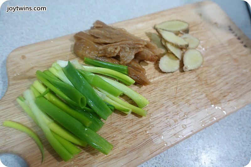 老菜脯蛤蠣雞(雞雜碎)湯 (2)