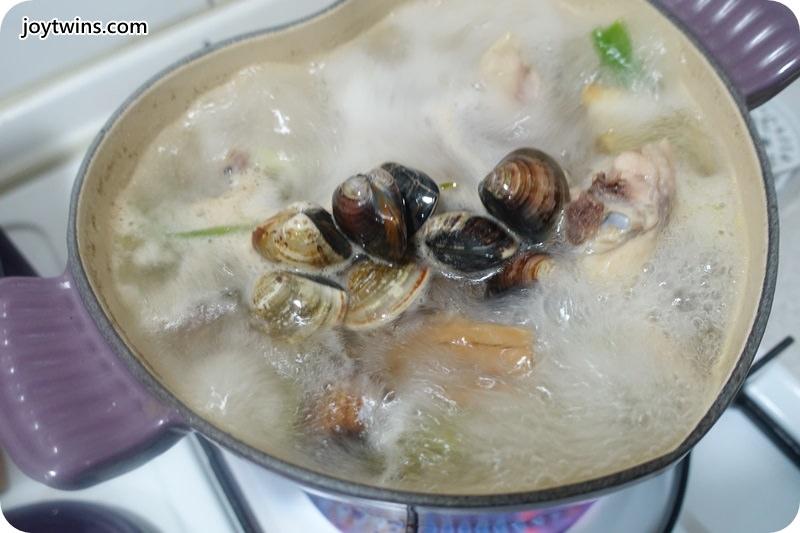 老菜脯蛤蠣雞(雞雜碎)湯 (11)