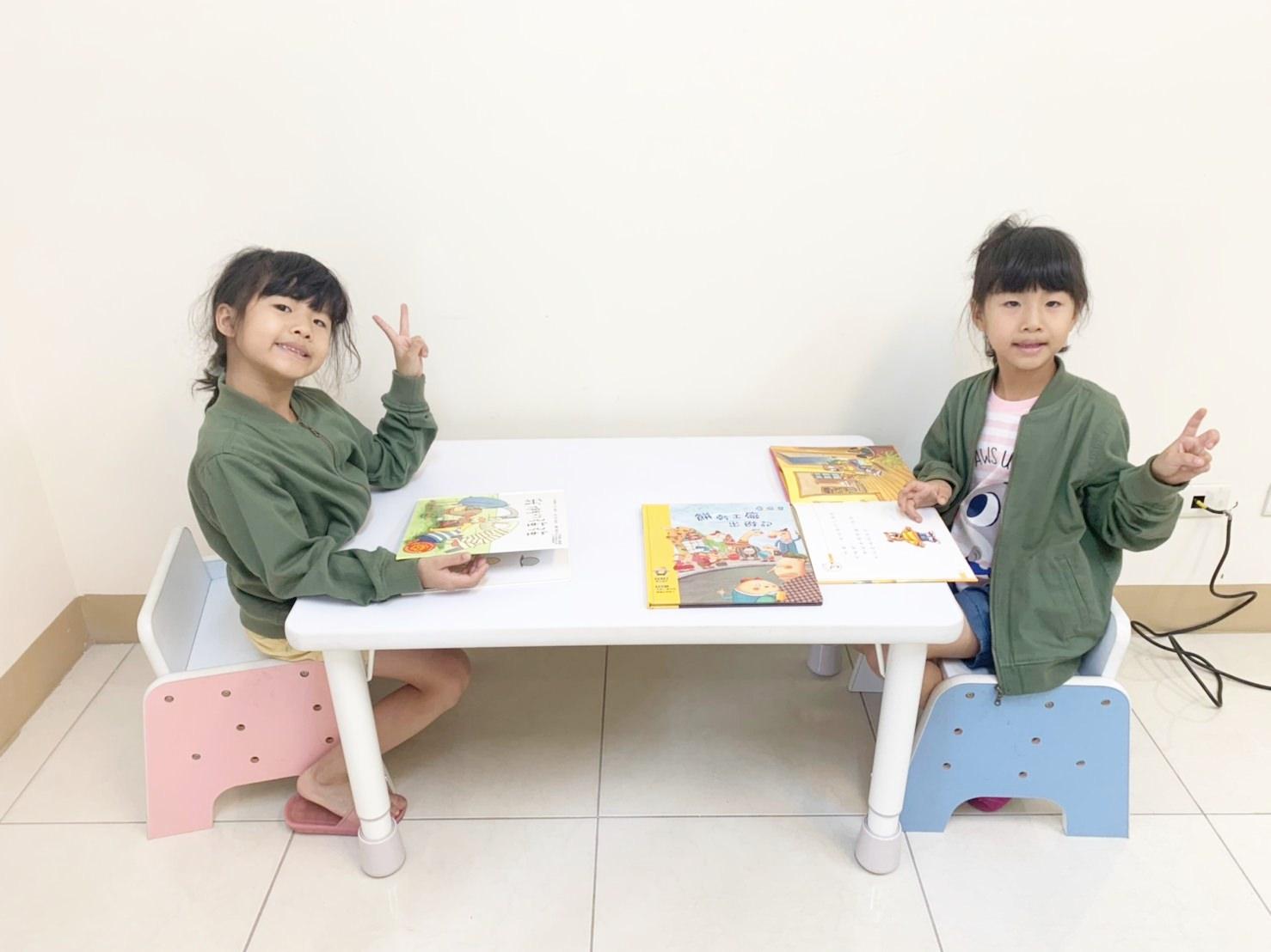 (新改版)【兒童用品】台灣 愛兒館 ilovekids第一張小桌子(離乳桌)+椅子 大才是王道 1歲用到出社會!!! 家長與孩子一起用的大書桌