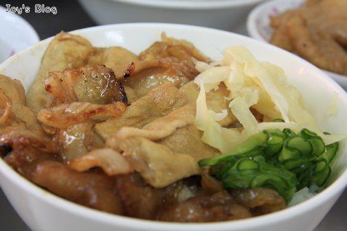 [食記]熱河一街上的25年老店-周氏燒肉飯