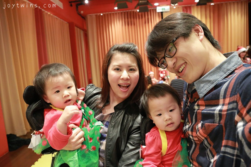 [生活]1Y3M雙寶妞2013年聖誕派對走秀出體驗記