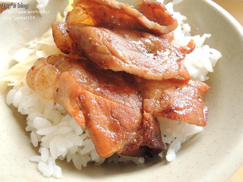 [食在推薦]正港高雄人愛吃的燒肉飯-阿霞燒肉飯