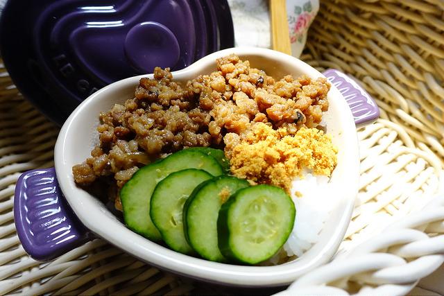 [食譜]家常手路菜~簡易香菇肉燥,搭配白飯超滿足!(電鍋、鑄鐵鍋都能輕鬆煮)