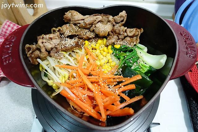 [食譜]簡直完勝的bibimnba~韓國石鍋拌飯!鑄鐵鍋就能完成!