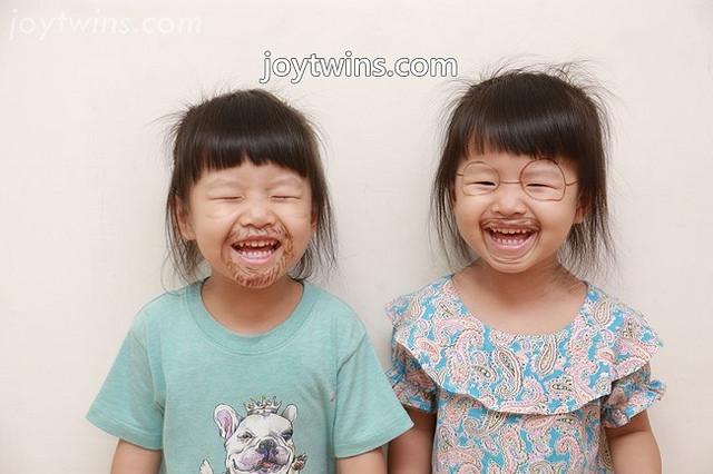 [育兒紀錄]2Y11M~即將進入三歲階段的雙寶妞好開心!